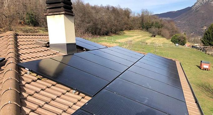 Painéis Fotovoltaicos Pretos
